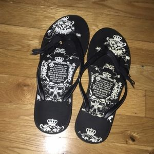 Juicy Couture flipflop wedges